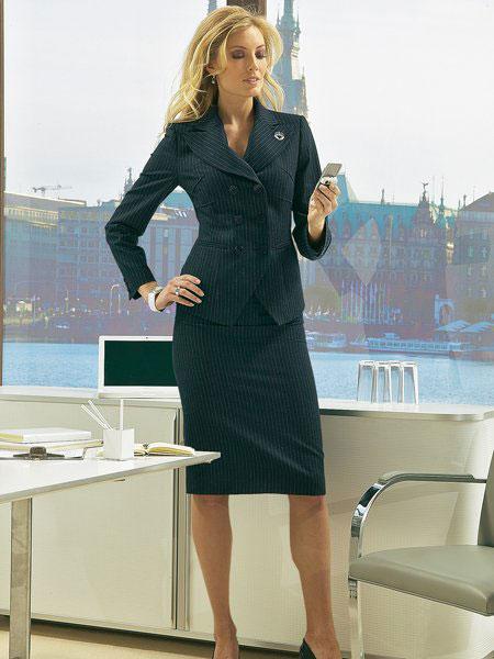 Офисный стиль одежды формировался десятилетиями.  Но под влиянием.
